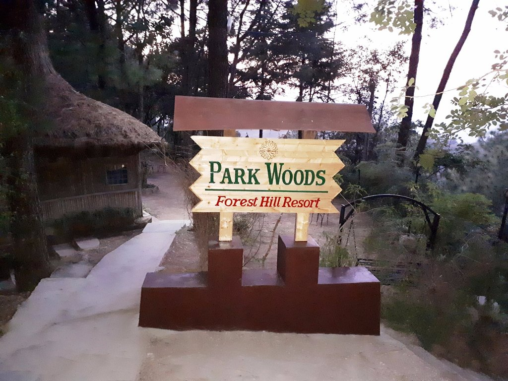 Parkwoods Hill Resort