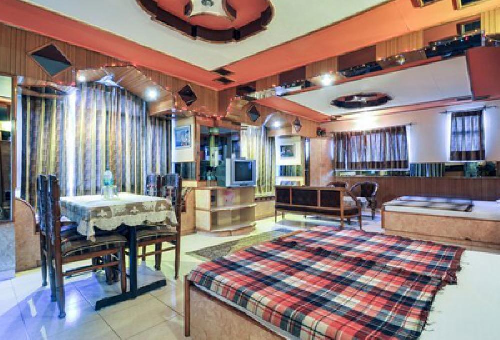 Hotel Kufri Holiday Inn