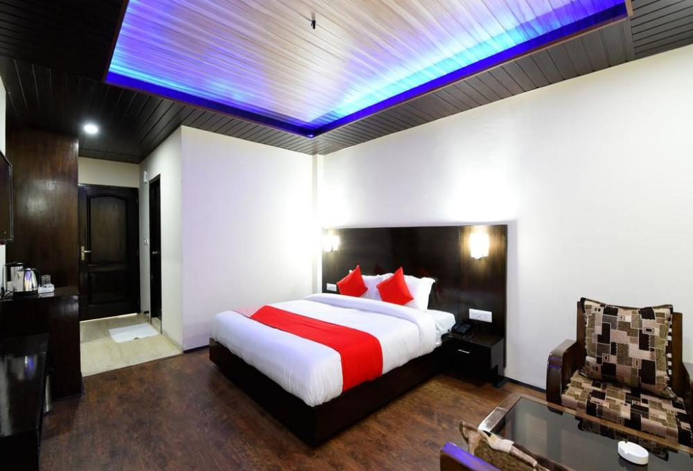 Hotel Manali Mantra Deluxe Room