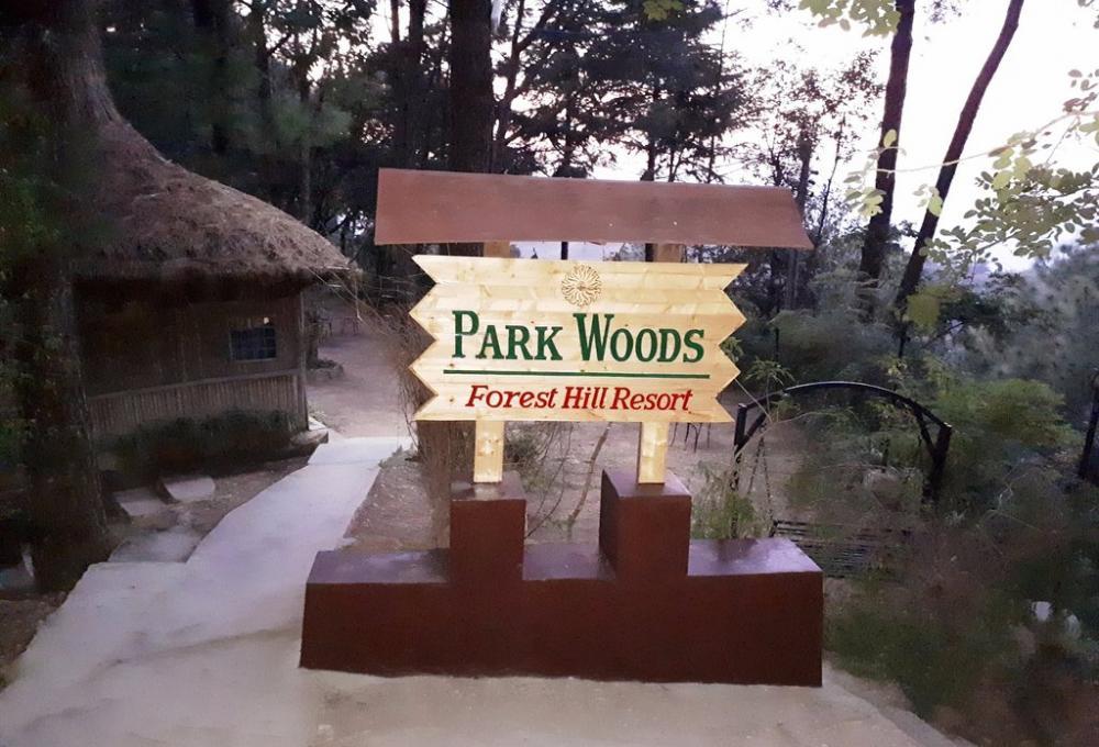 Parkwoods Hill Resort